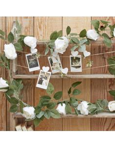 guirlande-roses-blanches-et-feuillages-decoration-baby-shower-bapteme-anniversaire-mariage.jpg