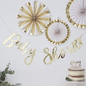 baby-shower-boheme-guirlande-baby-shower-doree