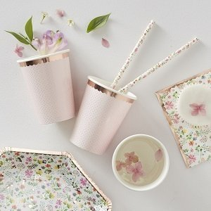 baby-shower-fleurs-bohemes-gobelets