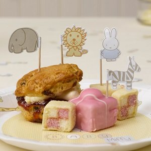 baby-shower-lapin-miffy-piques-gateaux-baby-shower