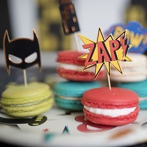anniversaire-adulte-theme-super-heros-cake-toppers