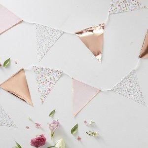 anniversaire-adulte-theme-fleurs-bohemes-guirlande-fanion