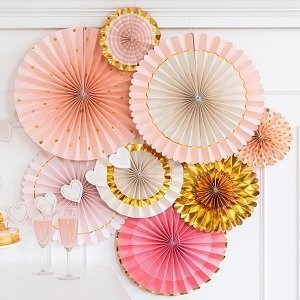 anniversaire-adulte-theme-rose-et-or-deco-salle