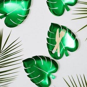 anniversaire-adulte-theme-tropical-assiettes-feuilles-palmier