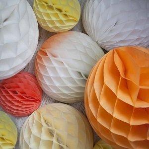 pompons-lampions-multicolores