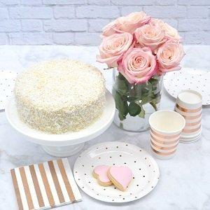 anniversaire-enfant-theme-fleurs-pastels-deco-table-rose-gold