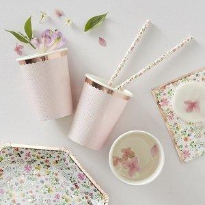anniversaire-fille-theme-fleurs-bohemes-deco-de-table-gobelets