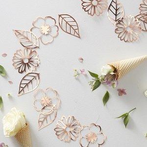 anniversaire-fille-theme-fleurs-bohemes-guirlandes-fleurs-rose-gold