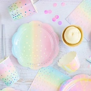 anniversaire-fille-theme-licorne-deco-de-table-irisee