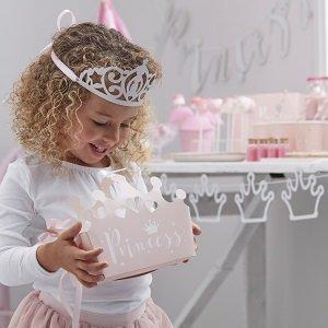 anniversaire-fille-theme-princesse-argent-deco-de-table-boites-cadeaux-invites