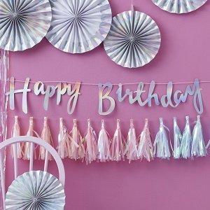 anniversaire-fille-theme-reine-des-neiges-guirlandes-rosaces-irisees