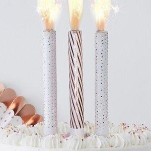 decoration-gateau-anniversaire-fille-piques-gateaux-bougies-fontaines-rose-gold