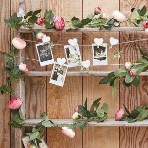 deco-salle-anniversaire-guirlande-roses