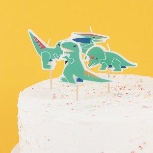 decoration-gateau-anniversaire-bougies-anniversaire-dinosaures