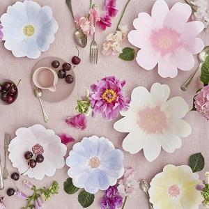 anniversaire-theme-fleur-decoration-fete-deco-table-fleurs-meri-meri