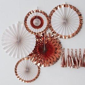 rosaces-eventails-bapteme-decoration-salle-bapteme-fille-garcon-rosaces-rose-gold