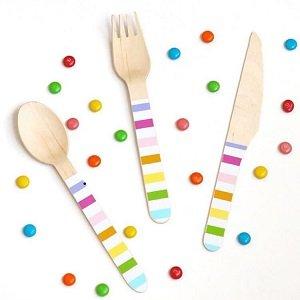 couverts-decoration-bapteme-decooration-de-table-bapteme-couverts-multicolores