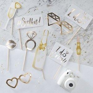 evjf-theme-blanc-et-or-accessoires-photobooth
