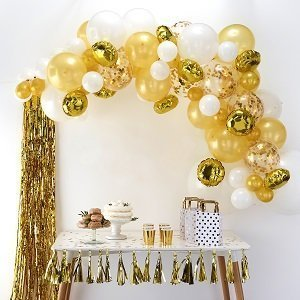 evjf-theme-blanc-et-or-arche-ballons