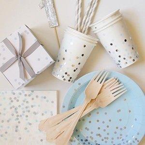 anniversaire-bleu-et-argent-decoration-table